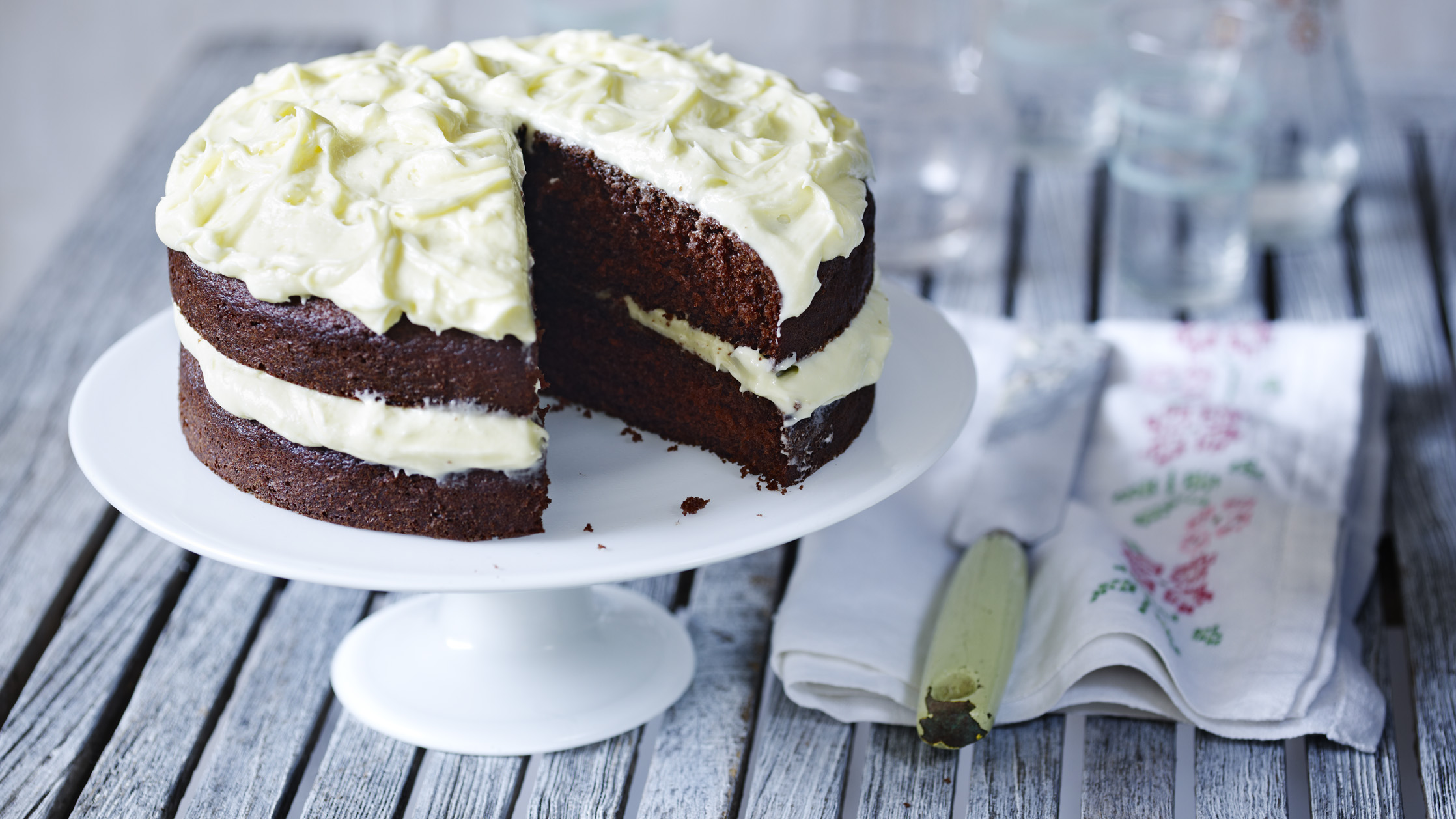 Celebration chocolate cake recipe bbc food forumfinder Gallery