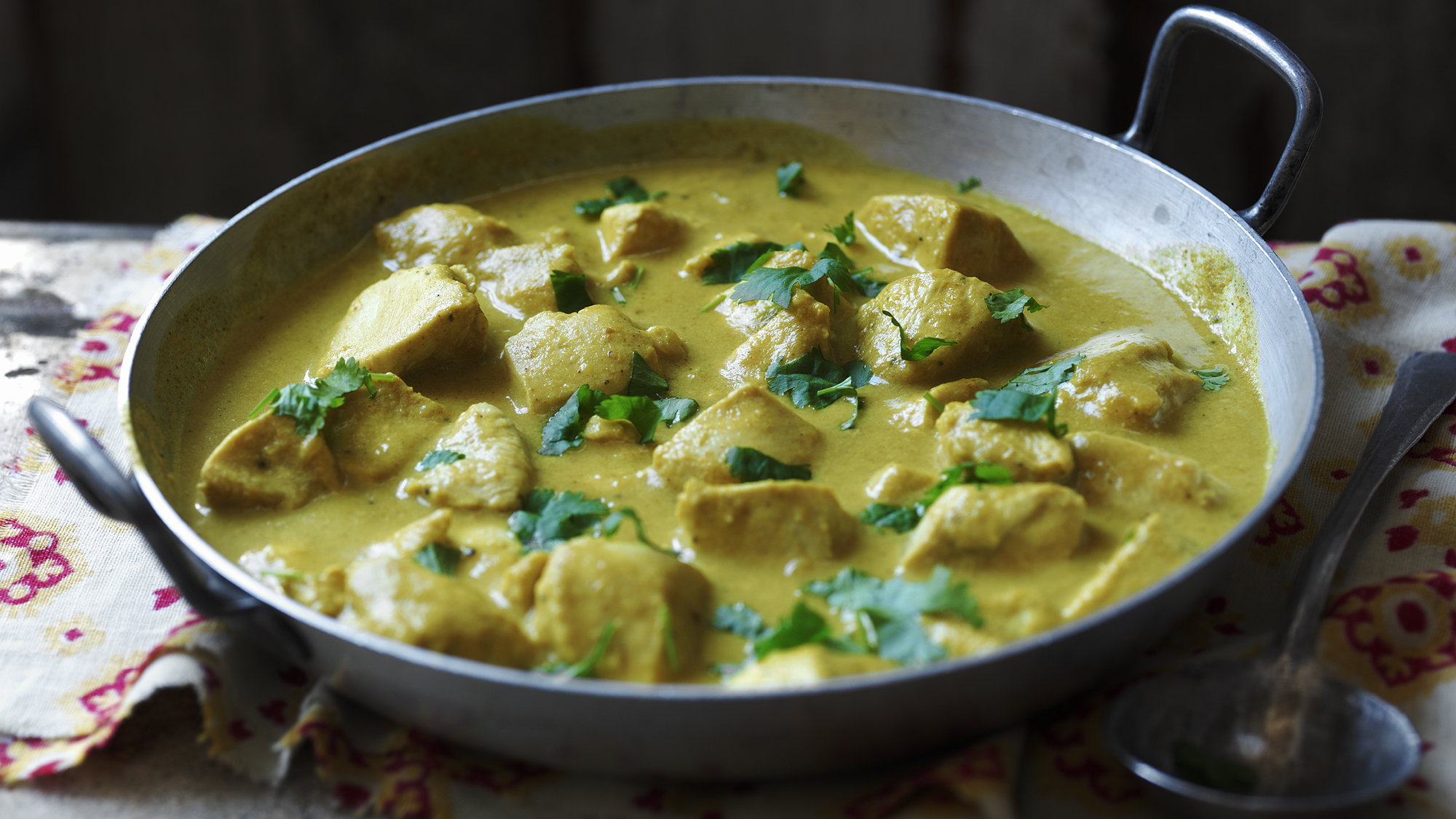 The hairy bikers chicken korma recipe bbc food forumfinder Images