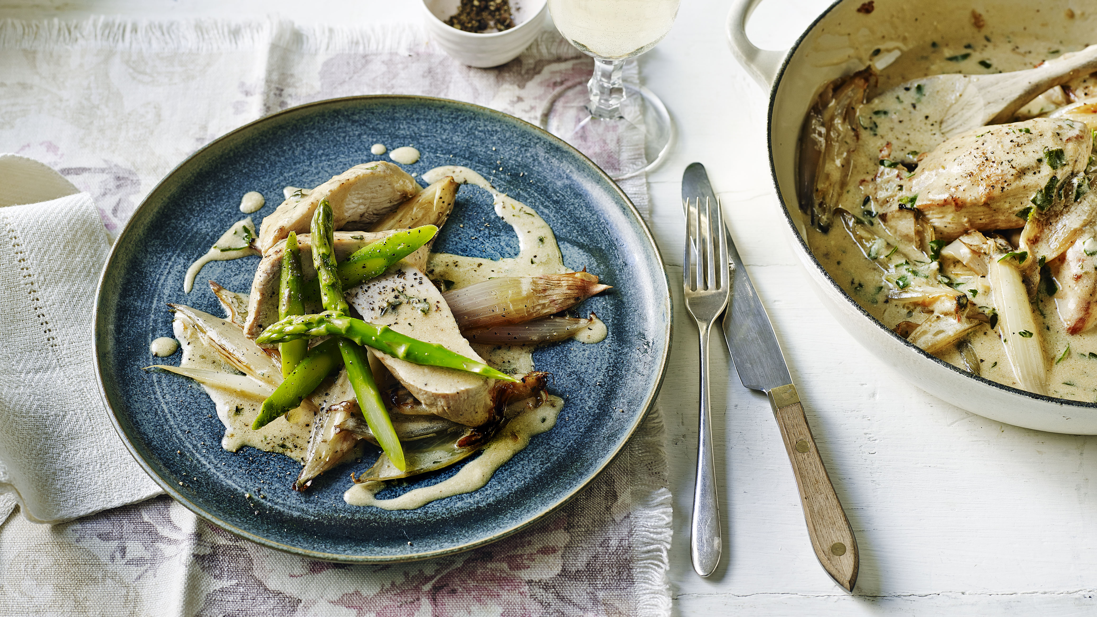 Chicken with asparagus and lemon crme frache sauce recipe bbc food forumfinder Images