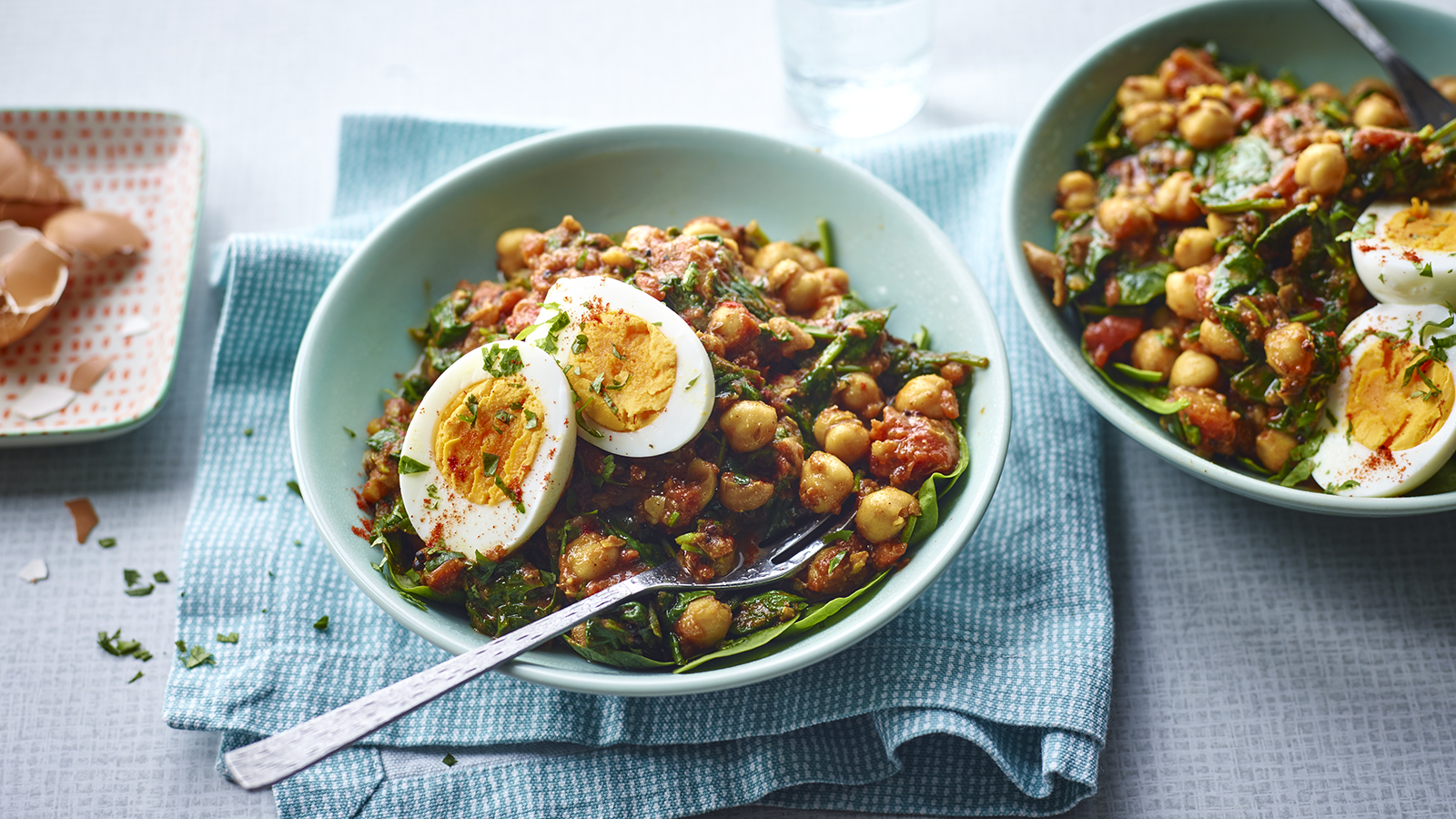 Chickpea, spinach and egg curry