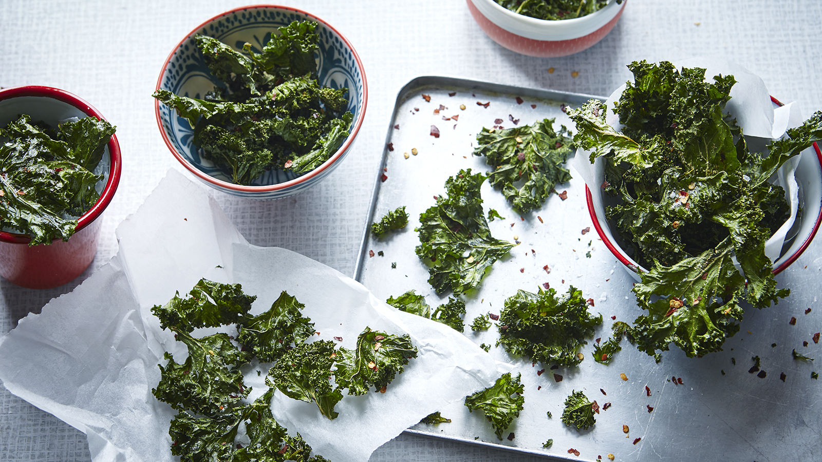 kale chips recipe bbc Chilli and garlic-spiced kale crisps