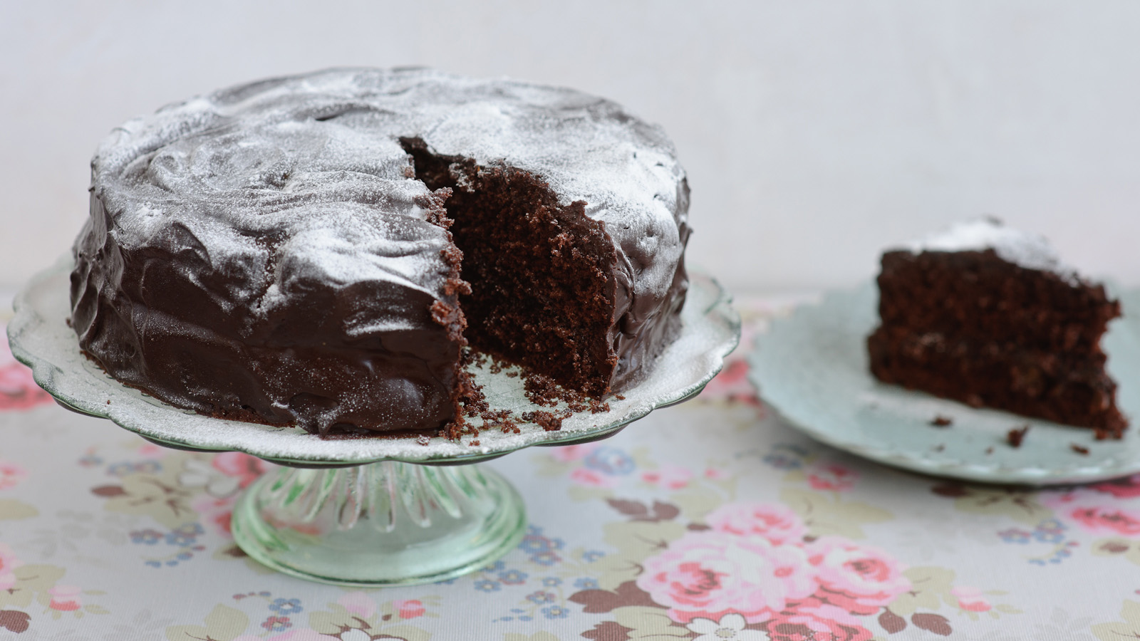 Chocolate sponge cake recipe bbc food forumfinder Gallery