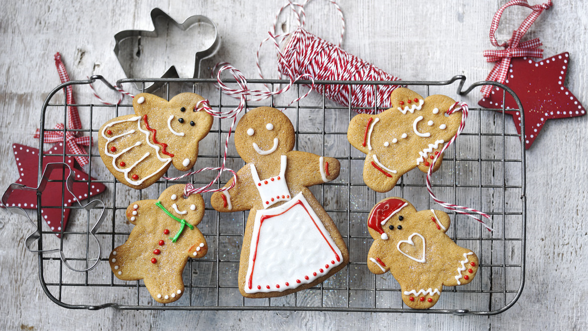 Christmas gingerbread men recipe bbc food forumfinder Choice Image