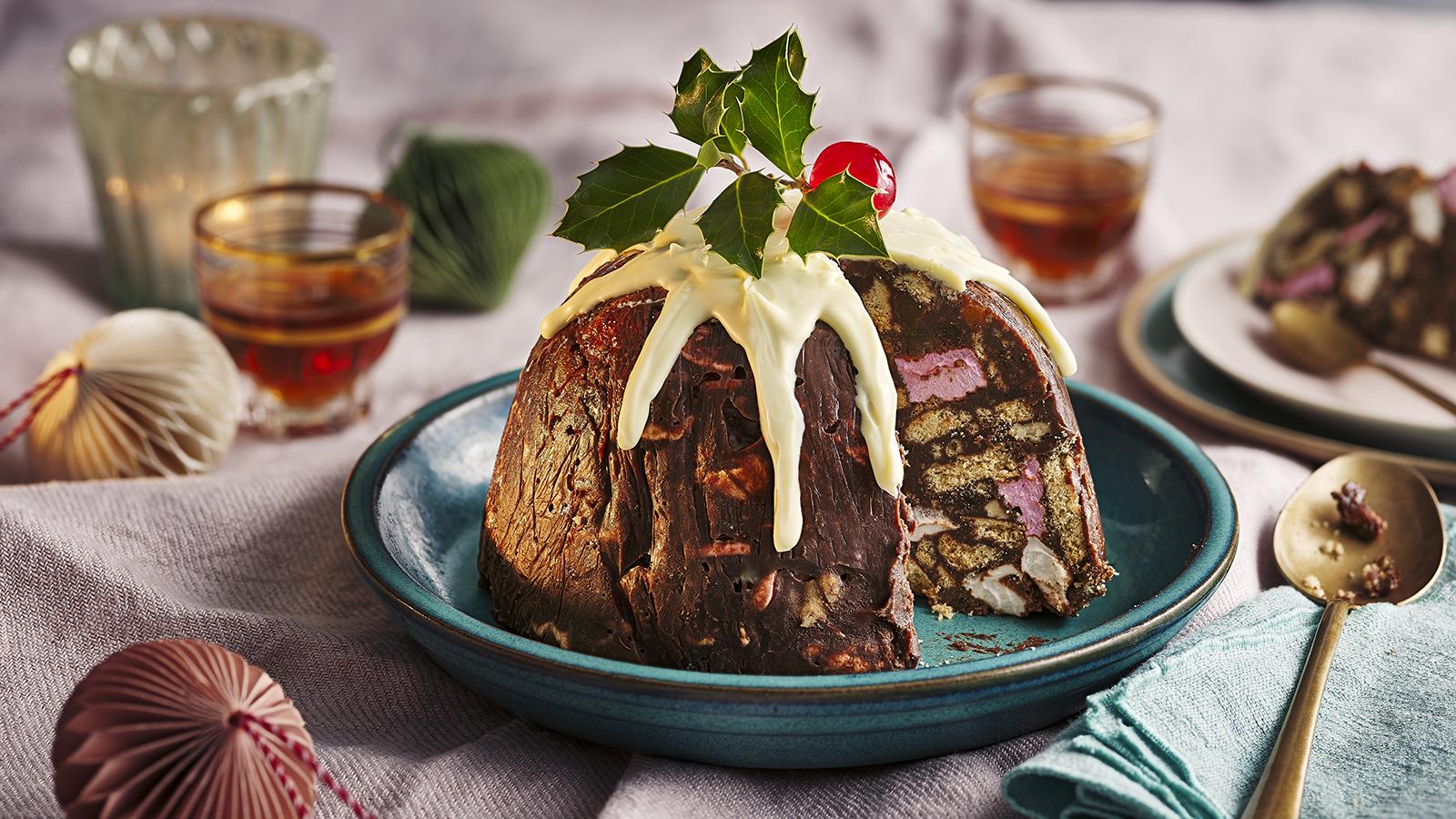 Christmas Pudding.Christmas Pudding Fridge Cake