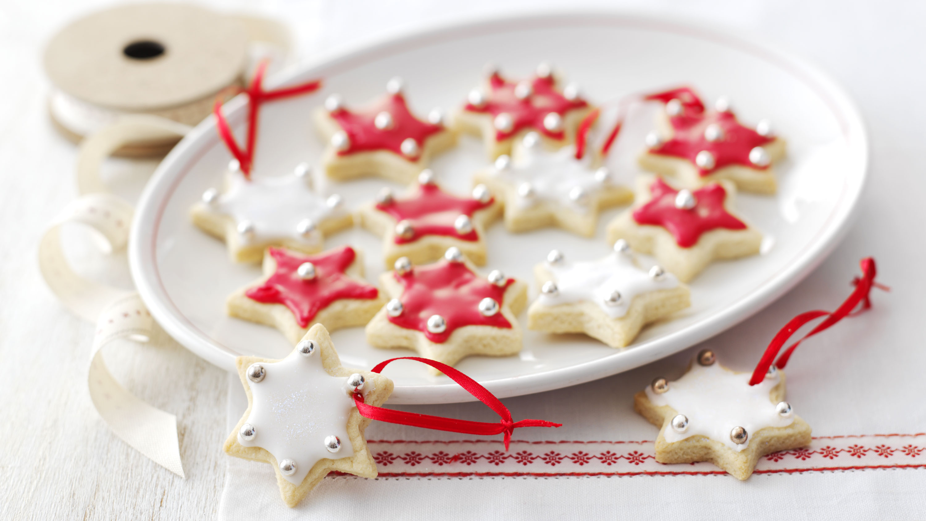 Christmas biscuits recipe bbc food forumfinder Choice Image