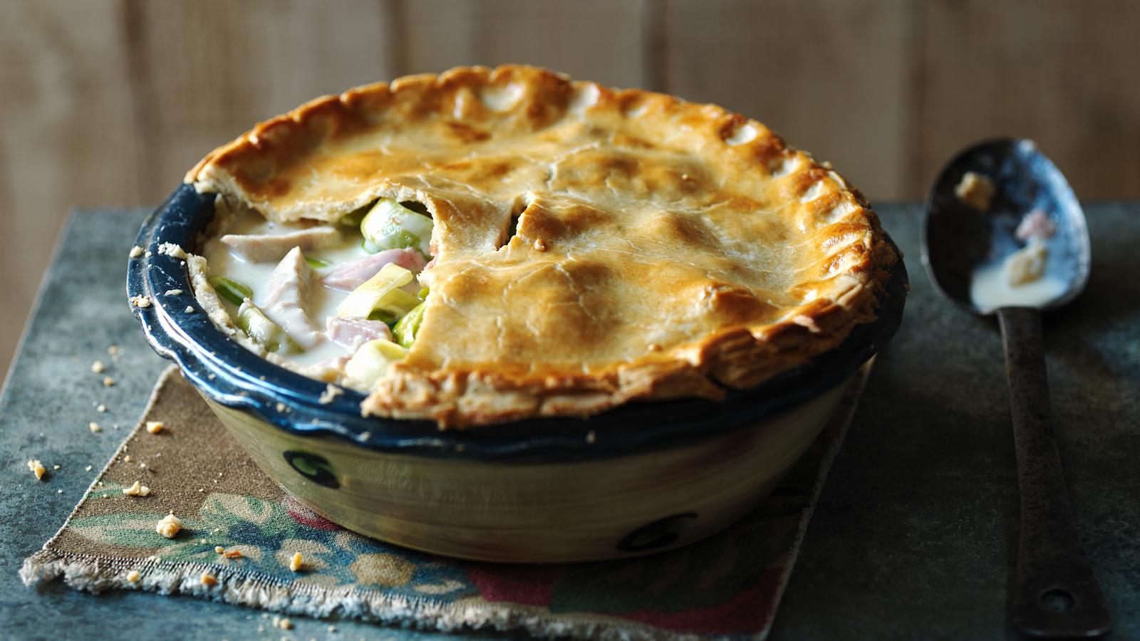 Creamy chicken ham and leek pie recipe bbc food forumfinder Choice Image