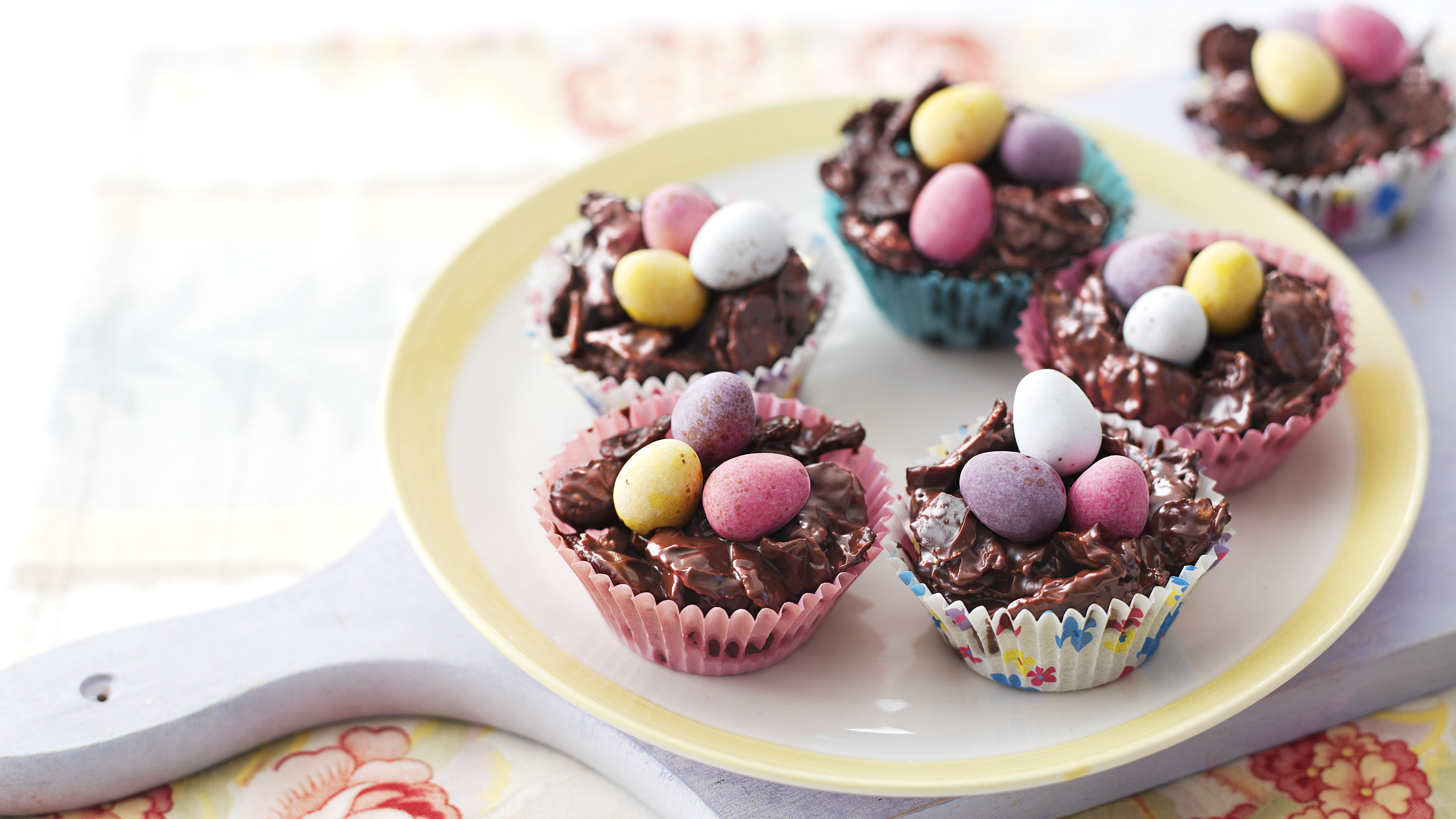 Chocolate Easter nests recipe - BBC Food