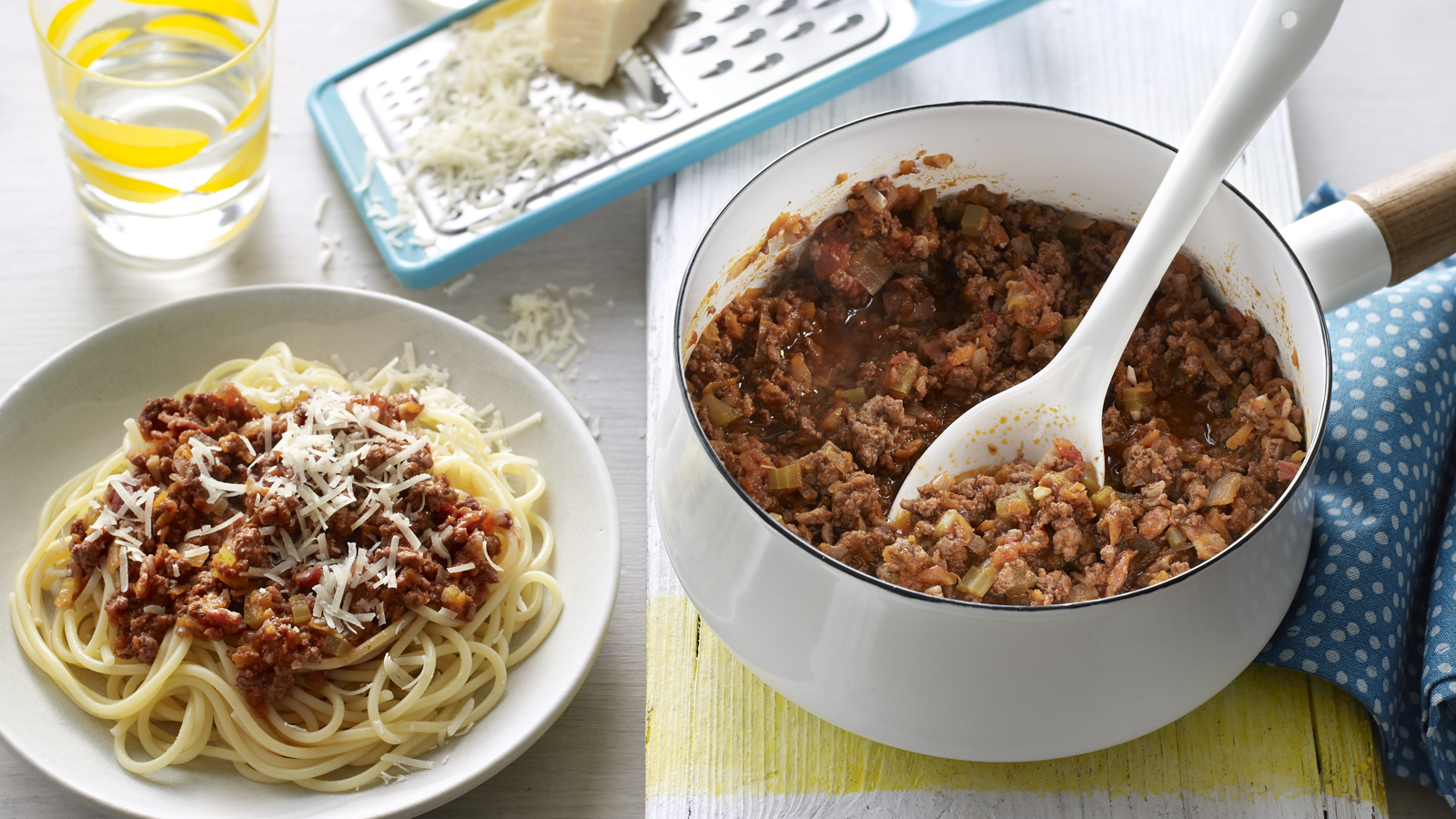 How To Make Spaghetti Bolognese Recipe Bbc Food