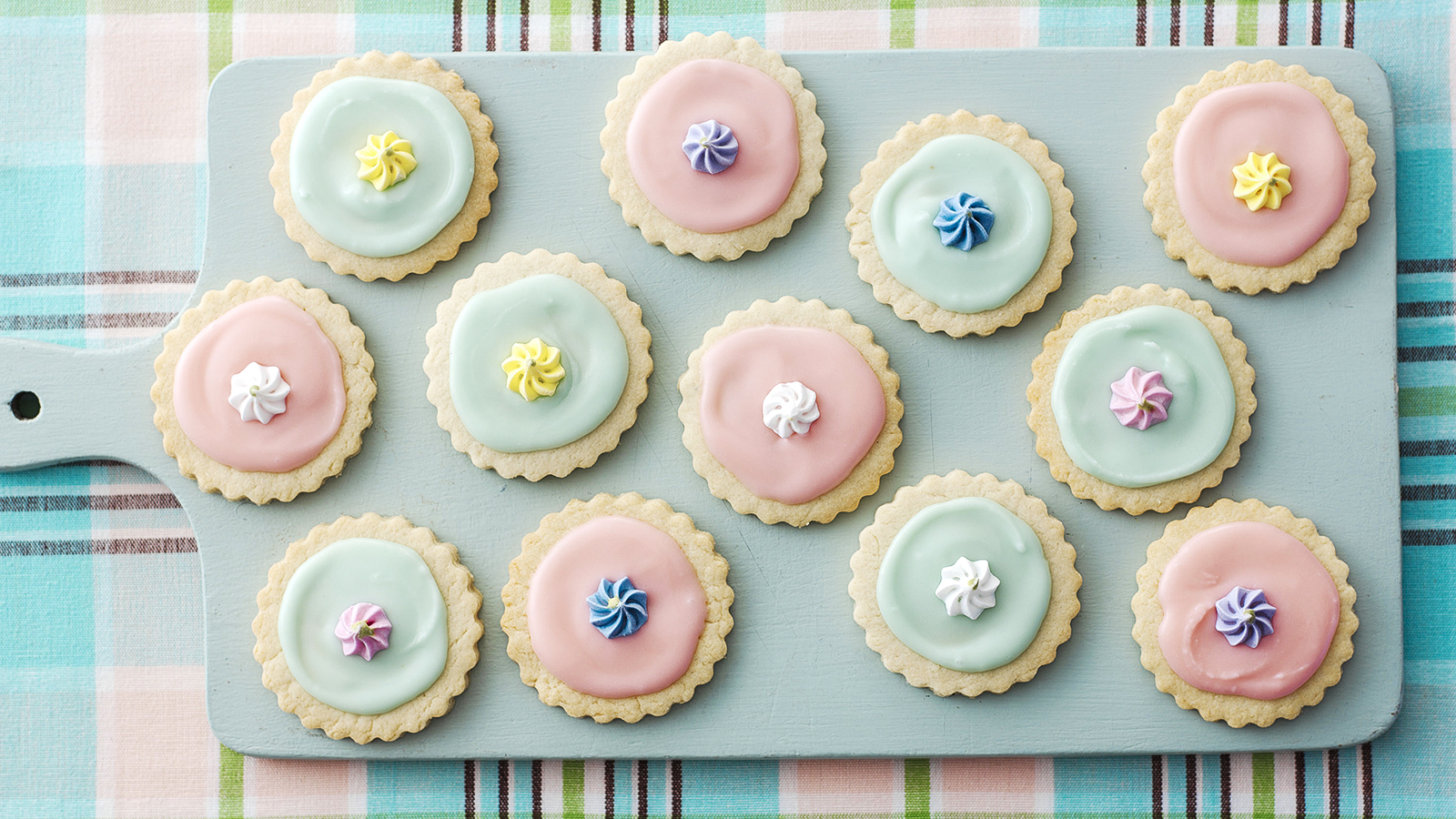 Iced biscuits recipe bbc food forumfinder Choice Image