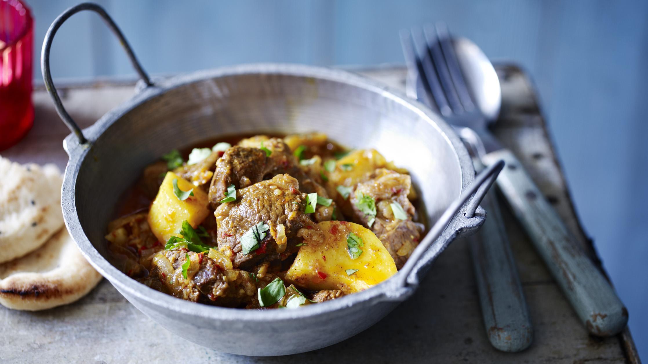 Lamb vindaloo recipe bbc food forumfinder Choice Image