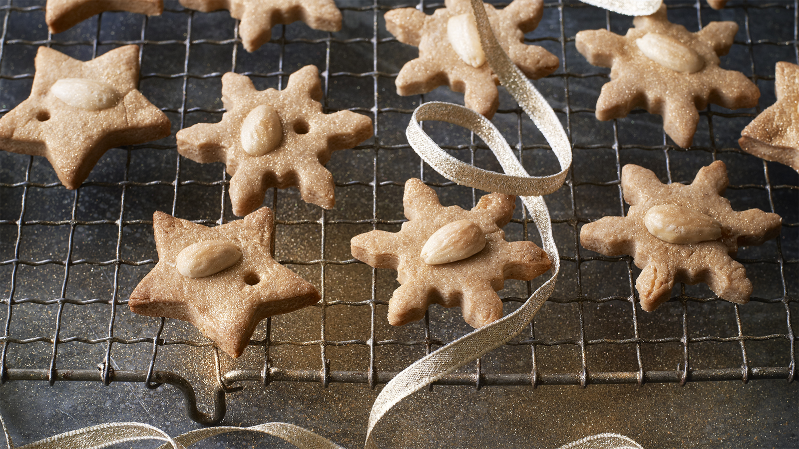 Low sugar christmas biscuits recipe bbc food forumfinder Choice Image