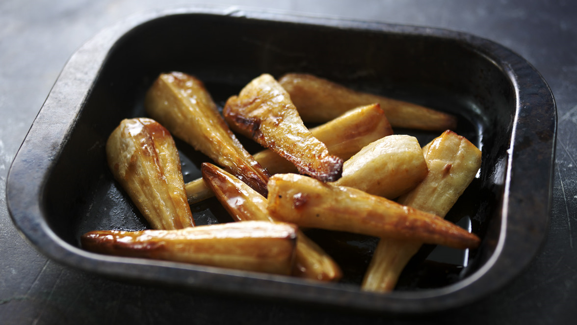 recipe: roasted parsnips and carrots with maple syrup [19]