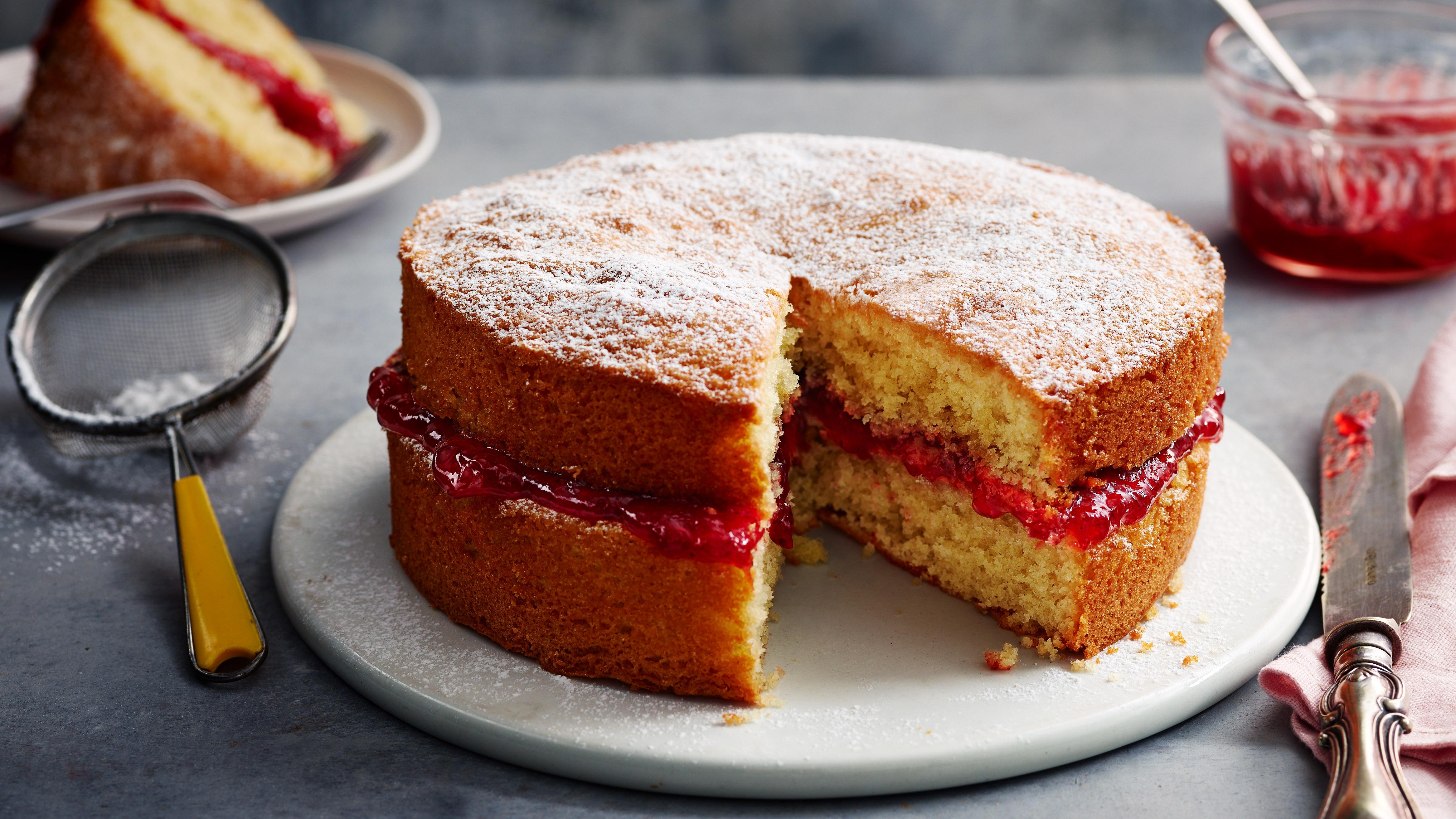 Mary Berry S Victoria Sponge Cake Recipe Bbc Food