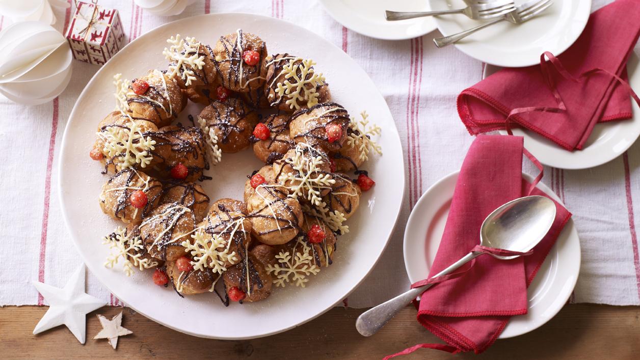 Marys christmas choux wreath recipe bbc food forumfinder Choice Image