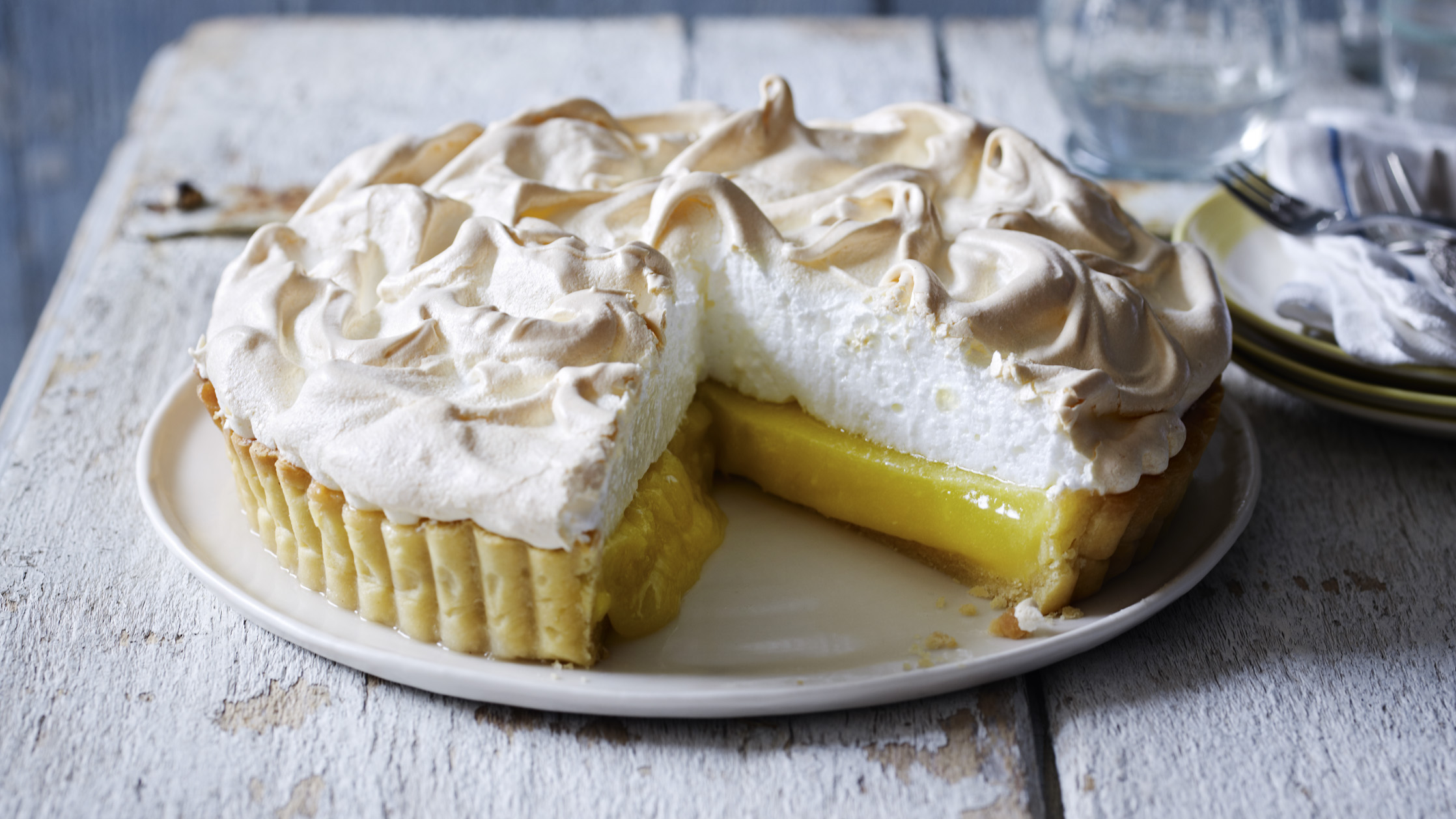 Lemon meringue pies