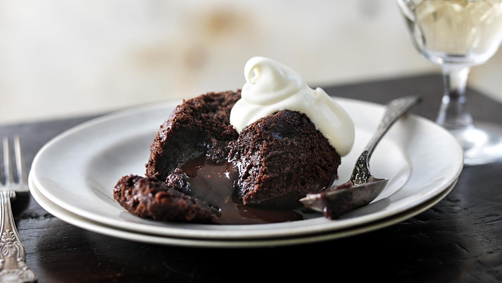 Gooey chocolate fondant puddings recipe bbc food forumfinder Images