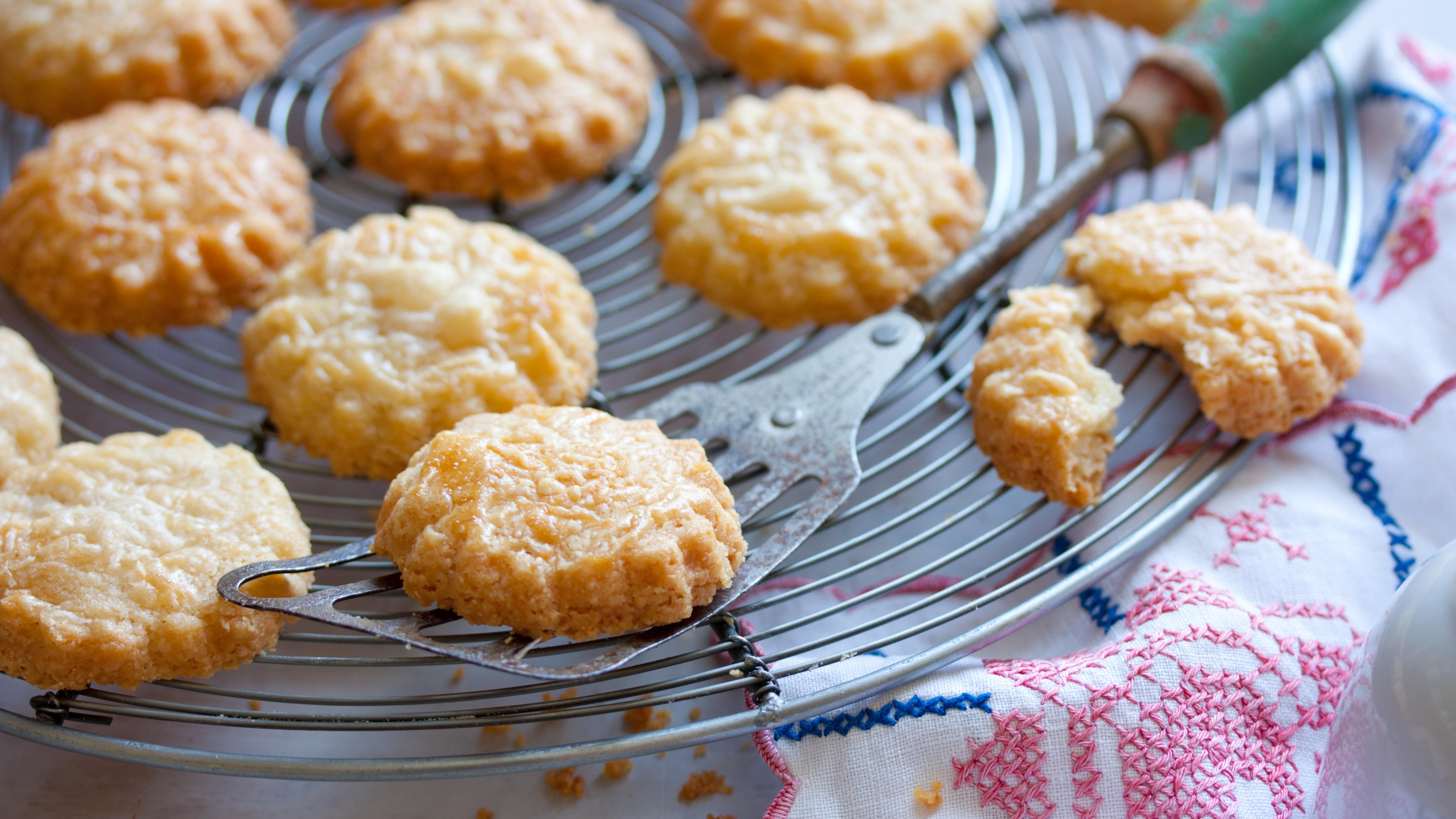 Parmesan biscuits recipe bbc food forumfinder Gallery