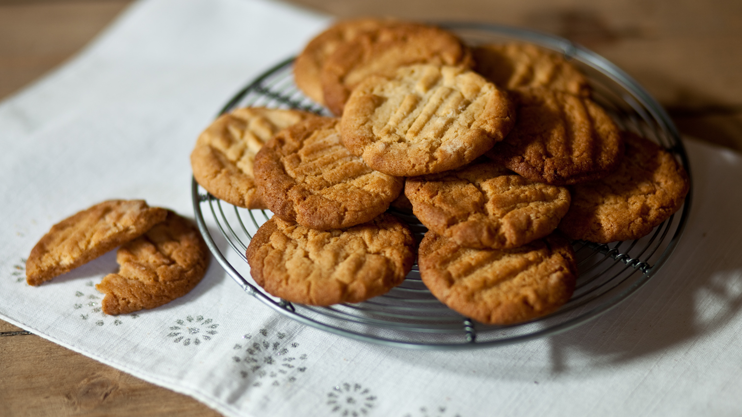 Paul S Mum S Ginger Biscuits Recipe Bbc Food