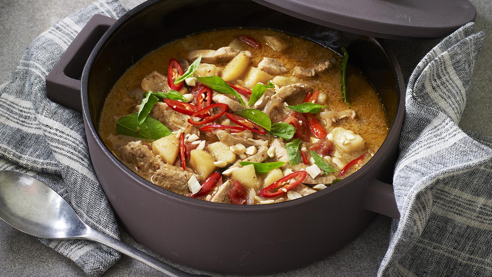 Thai massaman chicken curry recipe - BBC Food