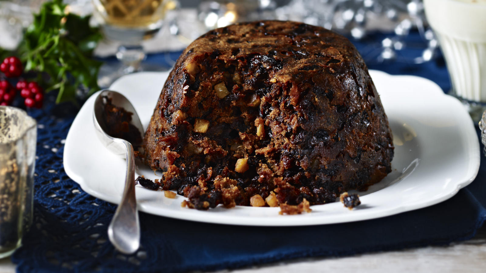Traditional christmas pudding with brandy butter forumfinder Image collections